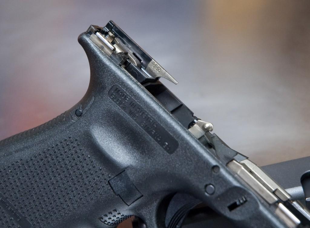 Glock 19 336 Ejector side view